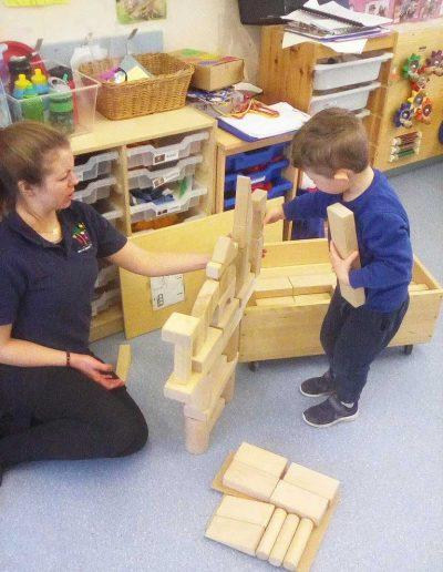 Oakwood Community Pre-school | Gallery | Building out of blocks indoors