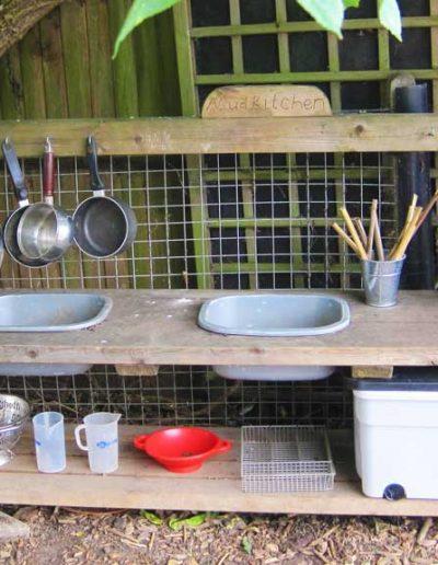 Oakwood Community Pre-school | Gallery | Mud-kitchen